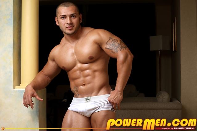 Naked Bodybuilder Keo Banks jerking his thick cock at Powermen