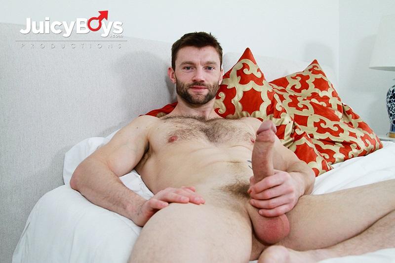 Vadim Black bareback fucks Dennis West's tight ass hole
