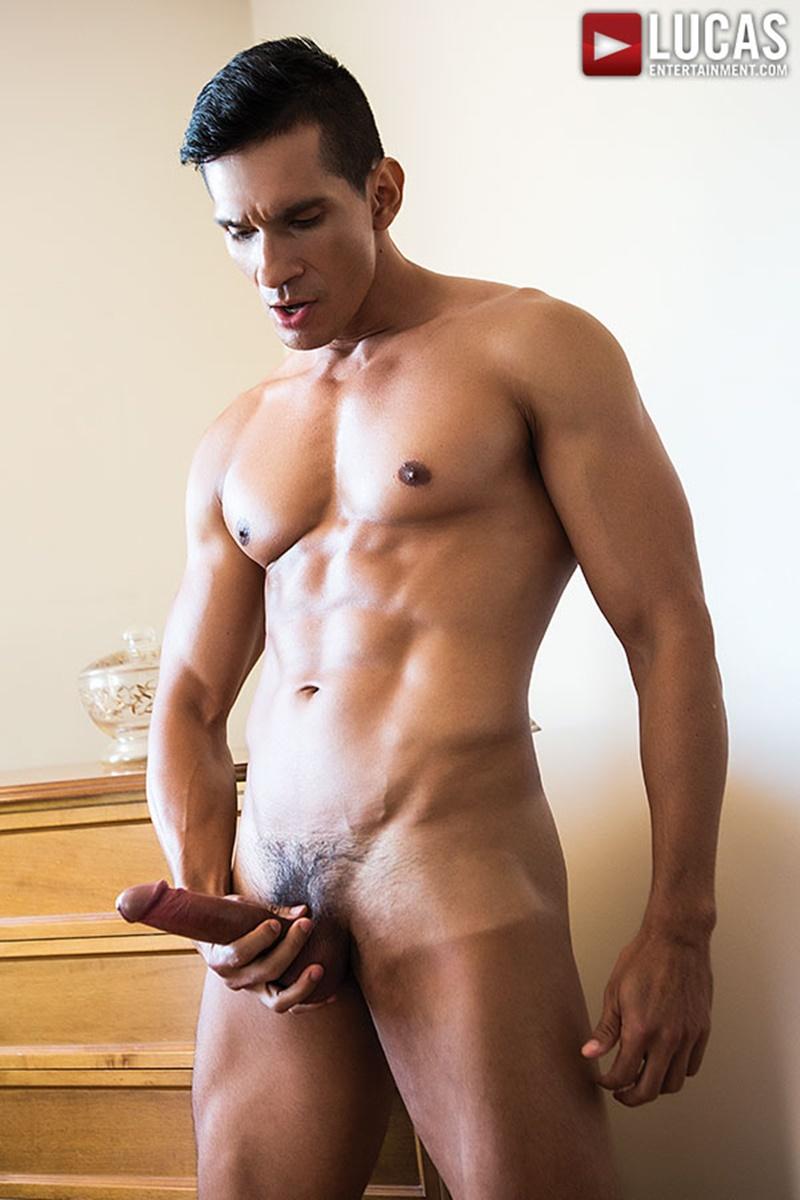 Hardcore raw ass fucking Nico Deen gets the big dick Dario Leon fucking