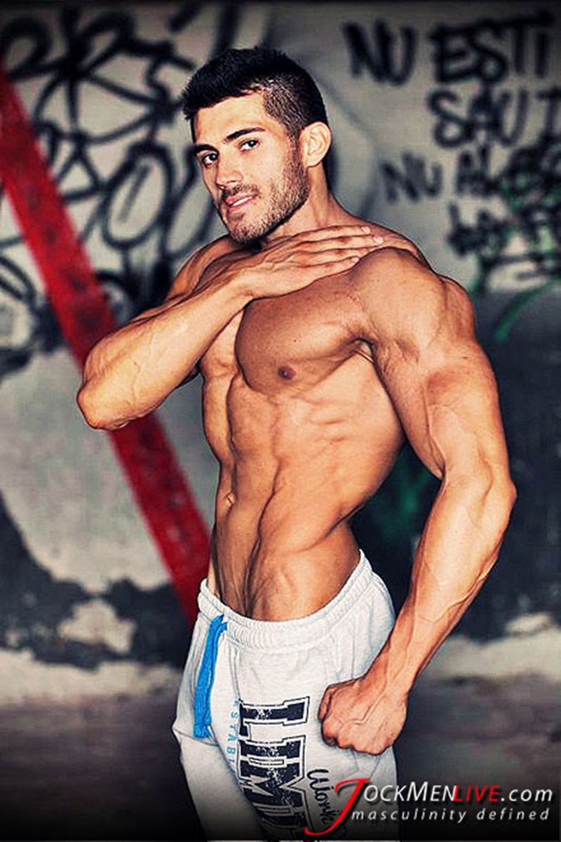Jock Men Live 26 years old Romanian bodybuilder Johnny Cool ripped shredded big muscle man