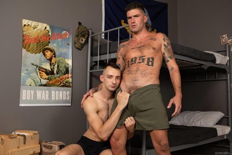 Johnny B II's hot ass bareback fucked by inked muscle army dude Chris Damned